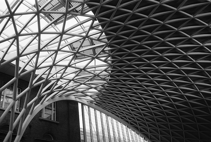 Kings Cross station | LEICA SUMMARON 35MM F2.8 <br> Click image for more details, Click <b>X</b> on top right of image to close