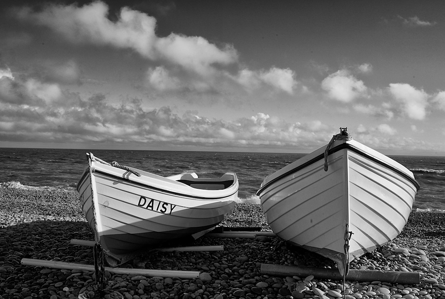 Budleigh Boats | CV 25MM / F 4.0 COLOR SKOPAR PANCAKE <br> Click image for more details, Click <b>X</b> on top right of image to close