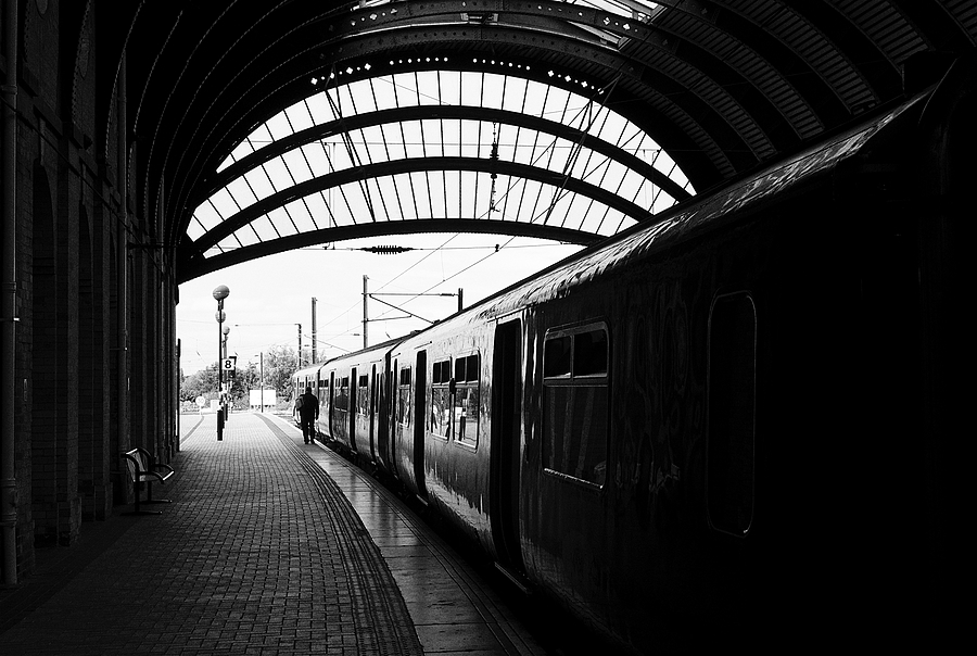 York Station | LEICA SUMMARON 35MM F/2.8 <br> Click image for more details, Click <b>X</b> on top right of image to close