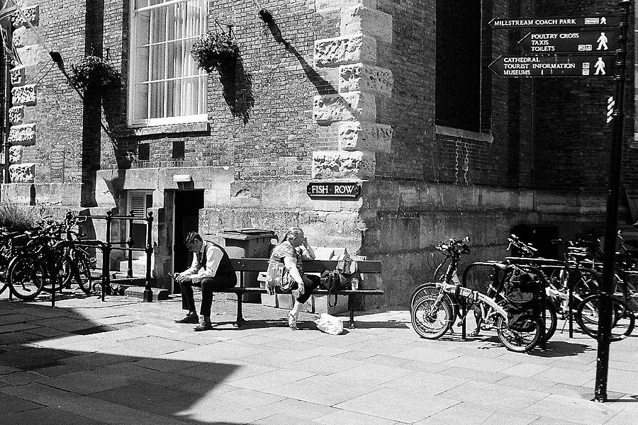 Waiting | LEICA SUMMARON 35MM F/3.5 <br> Click image for more details, Click <b>X</b> on top right of image to close