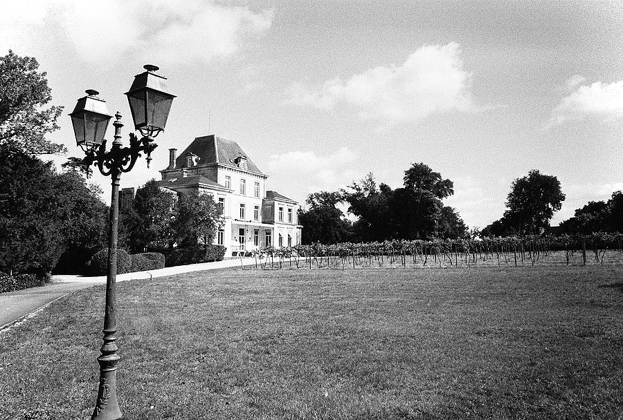 Le Chateau | LEICA SUMMARON 35MM F/3.5 <br> Click image for more details, Click <b>X</b> on top right of image to close