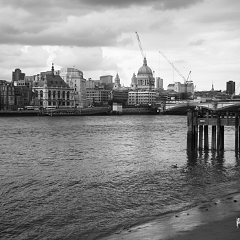I love London | LEICA SUMMICRON 35MM F2 ASPH <br> Click image for more details, Click <b>X</b> on top right of image to close
