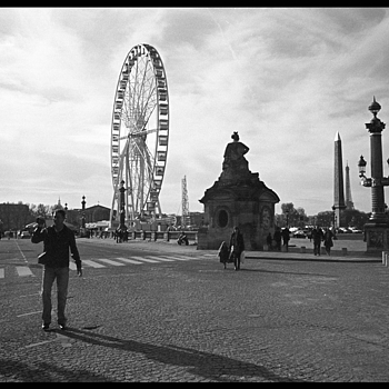End of Champs Elysees | CV 28MM / F 2.0 ULTRON <br> Click image for more details, Click <b>X</b> on top right of image to close