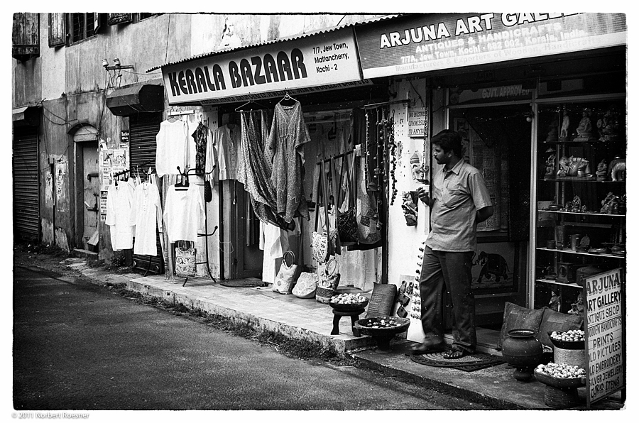Kerala Bazaar | LEICA ELMAR 50MM F2.8 <br> Click image for more details, Click <b>X</b> on top right of image to close