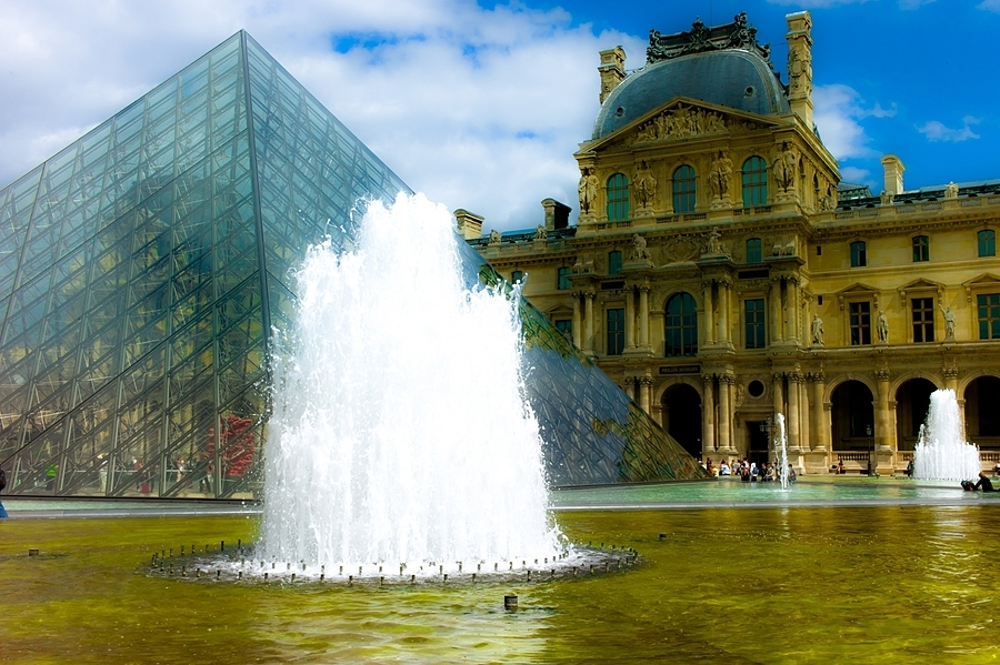 Louvre, Paris | LEICA SUMMICRON 35MM F2 ASPH <br> Click image for more details, Click <b>X</b> on top right of image to close