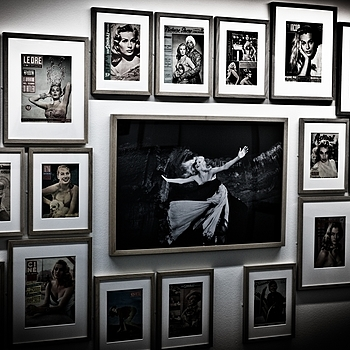 Photo exhibition Fellini | LEICA SUMMICRON 50MM F2 <br> Click image for more details, Click <b>X</b> on top right of image to close