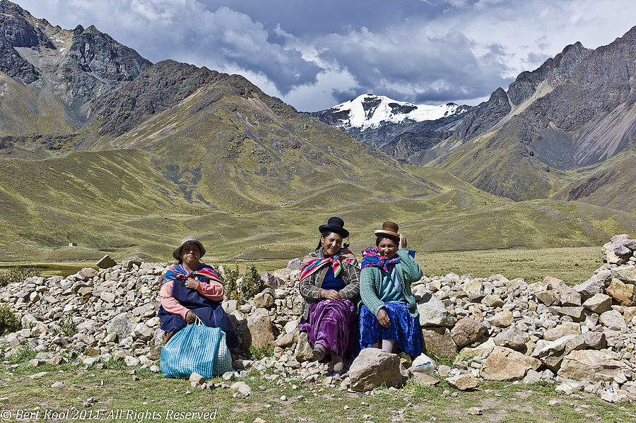Women at High Altitude (4338m), Abra la Raya, Peru | LEICA SUMMILUX 35MM F1.4 ASPH <br> Click image for more details, Click <b>X</b> on top right of image to close