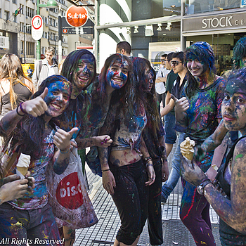 Painted Girls in La Florida, Buenos Aires | LEICA SUMMILUX 35MM F1.4 ASPH <br> Click image for more details, Click <b>X</b> on top right of image to close