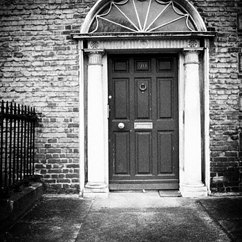 GEORGIAN DOOR | DG VARIO-SUMMICRON 28-90MM F2-2.4
