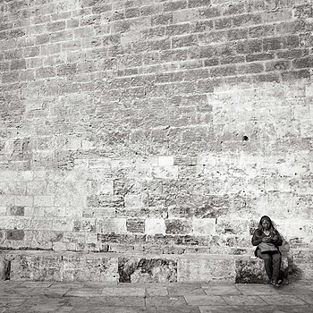 Wall w/woman | LEICA SUMMICRON 28MM F2 ASPH <br> Click image for more details, Click <b>X</b> on top right of image to close