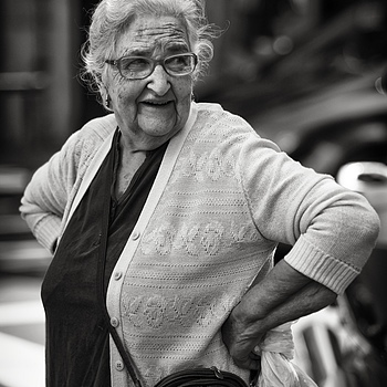 Senora de los gentes | LEICA APO-TELYT 135MM F3.4 ASPH <br> Click image for more details, Click <b>X</b> on top right of image to close