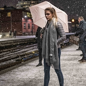 It's snowing in Oslo | LENS MODEL NOT SET <br> Click image for more details, Click <b>X</b> on top right of image to close