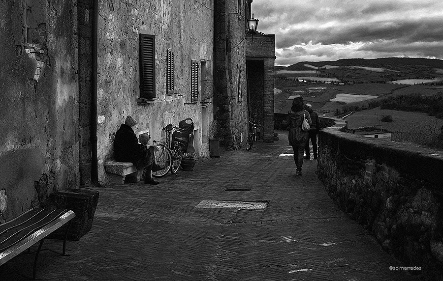 Life on the street - Tuscany | LENS MODEL NOT SET <br> Click image for more details, Click <b>X</b> on top right of image to close