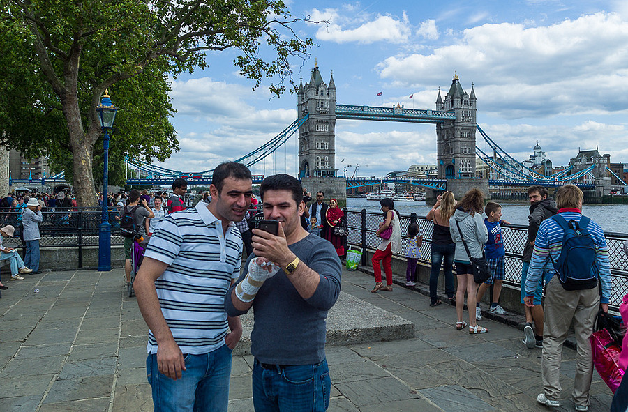 London - A Selfie at Tower Bridge | LEICA TRI-ELMAR 28-35-50MM F4 ASPH <br> Click image for more details, Click <b>X</b> on top right of image to close