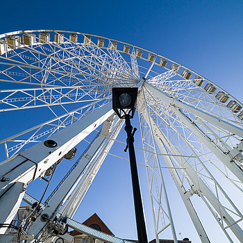 Observation Wheel - Chesterfield - England | TRI-ELMAR-M 16-18-21MM F/4 ASPH. <br> Click image for more details, Click <b>X</b> on top right of image to close