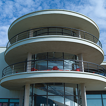 De La Warr Pavilion - Bexhill - Sussex | LEICA TRI-ELMAR 28-35-50MM F4 ASPH <br> Click image for more details, Click <b>X</b> on top right of image to close