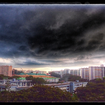 sunset Storm, Singapore. | LENS MODEL NOT SET