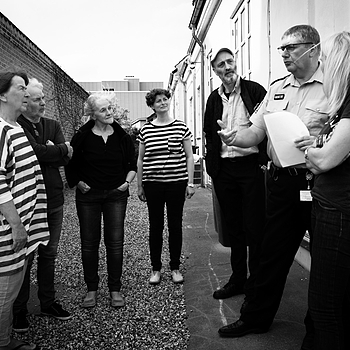 JUNE 6 - Neighbours in dialogue with the local police officer | LEICA ELMARIT 28MM F2.8