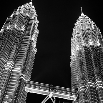 KLCC Twin Towers | CV 50MM / F 1.5 NOKTON <br> Click image for more details, Click <b>X</b> on top right of image to close
