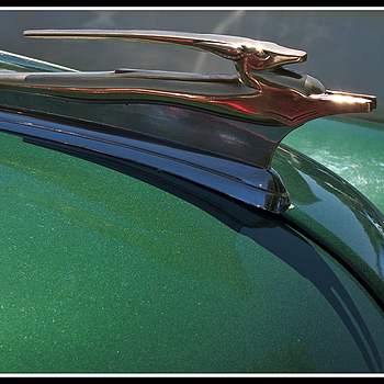 Gazelle hood ornament | DC VARIO-ELMARIT 1:2.8-3.7/7.4-88.8 ASPH <br> Click image for more details, Click <b>X</b> on top right of image to close