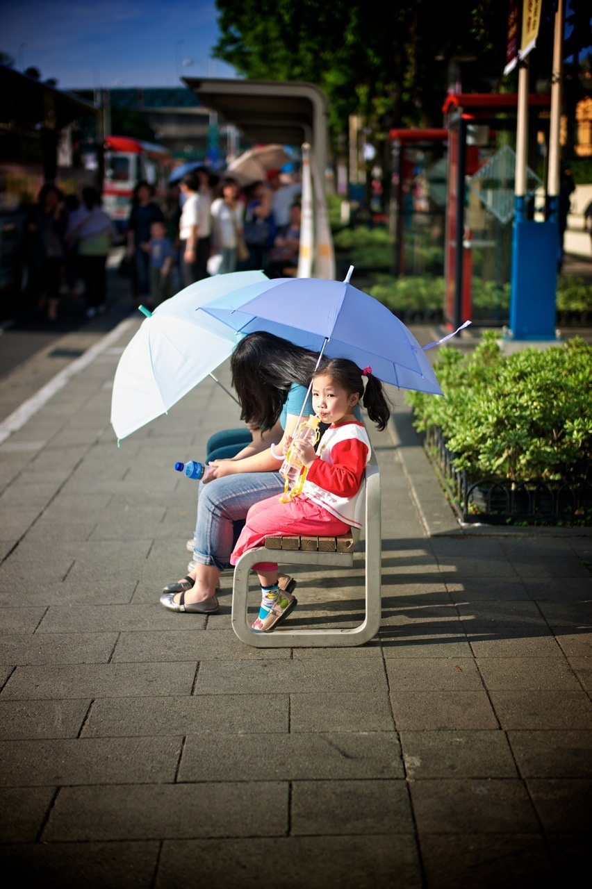 Waiting for the bus under the hot sun | SUMMILUX-M 1:1.4/50 ASPH <br> Click image for more details, Click <b>X</b> on top right of image to close