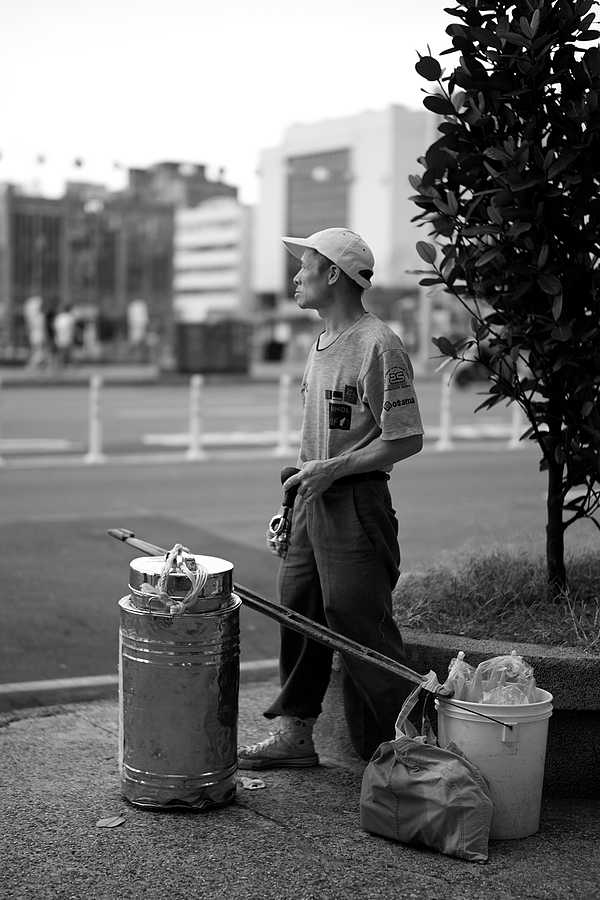 Local ice cream vendor w/ his horn | SUMMILUX-M 1:1.4/50 ASPH <br> Click image for more details, Click <b>X</b> on top right of image to close