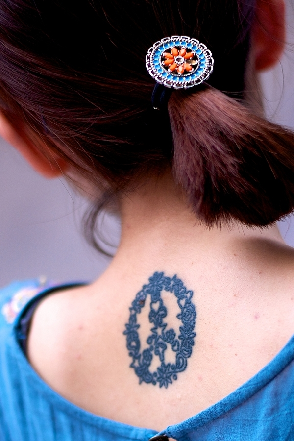 Fashionable tattoo & matching hairclip of today's Taiwan young girls | SUMMILUX-M 1:1.4/50 ASPH <br> Click image for more details, Click <b>X</b> on top right of image to close