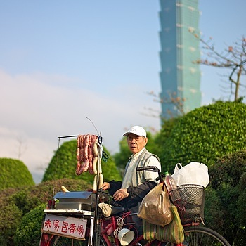Traditional Taiwan sausage seller | SUMMILUX-M 1:1.4/50 ASPH