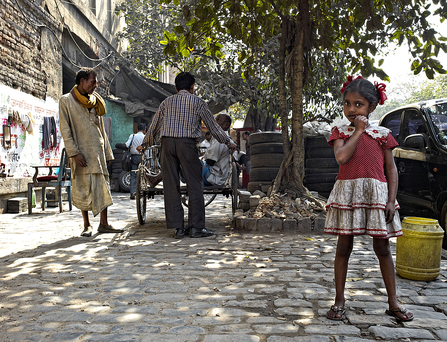 Young Girl waits for her Father to finish gossiping Kolkata | LEICA SUMMICRON 28MM F2 ASPH <br> Click image for more details, Click <b>X</b> on top right of image to close