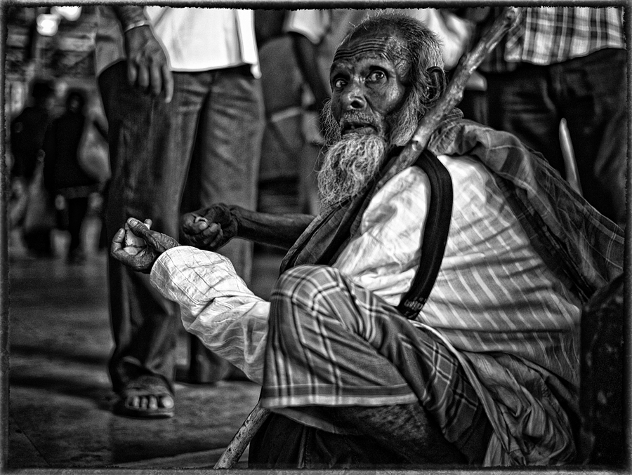 Old Man Kolkata | LEICA SUMMILUX 35MM F1.4 ASPH <br> Click image for more details, Click <b>X</b> on top right of image to close
