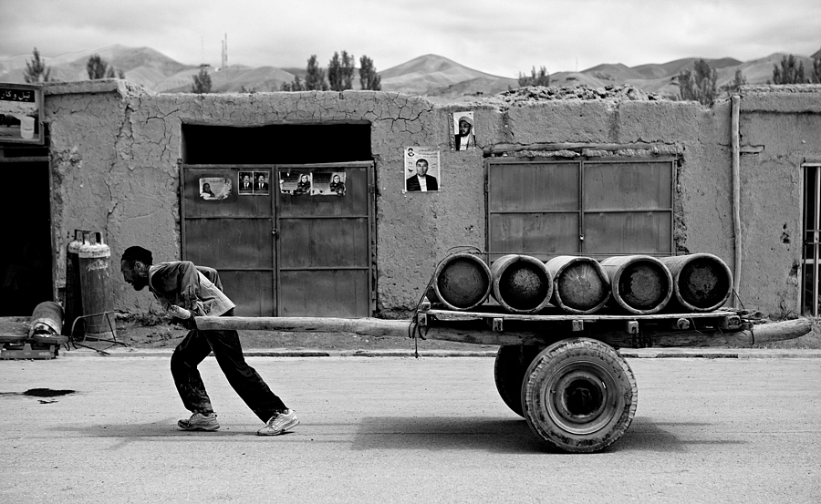 Gas Delivery Bamiyan | LEICA SUMMICRON 28MM F2 ASPH <br> Click image for more details, Click <b>X</b> on top right of image to close