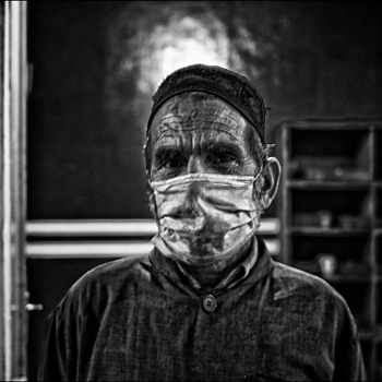 Surgeon SGAA Clinic Kabul Afghanistan | LEICA SUMMICRON 28MM F2 ASPH