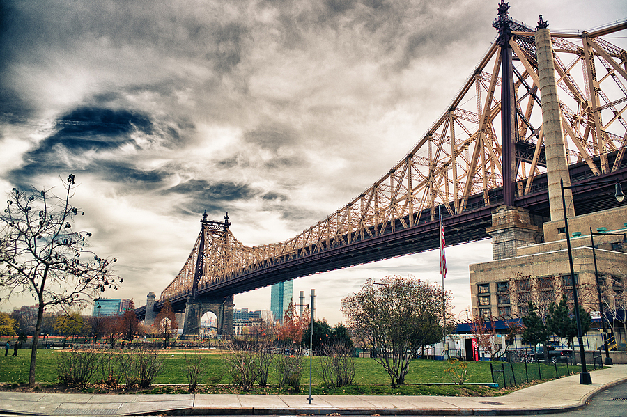 Williamsburg Bridge | LEICA ELMARIT 28MM F2.8 ASPH <br> Click image for more details, Click <b>X</b> on top right of image to close