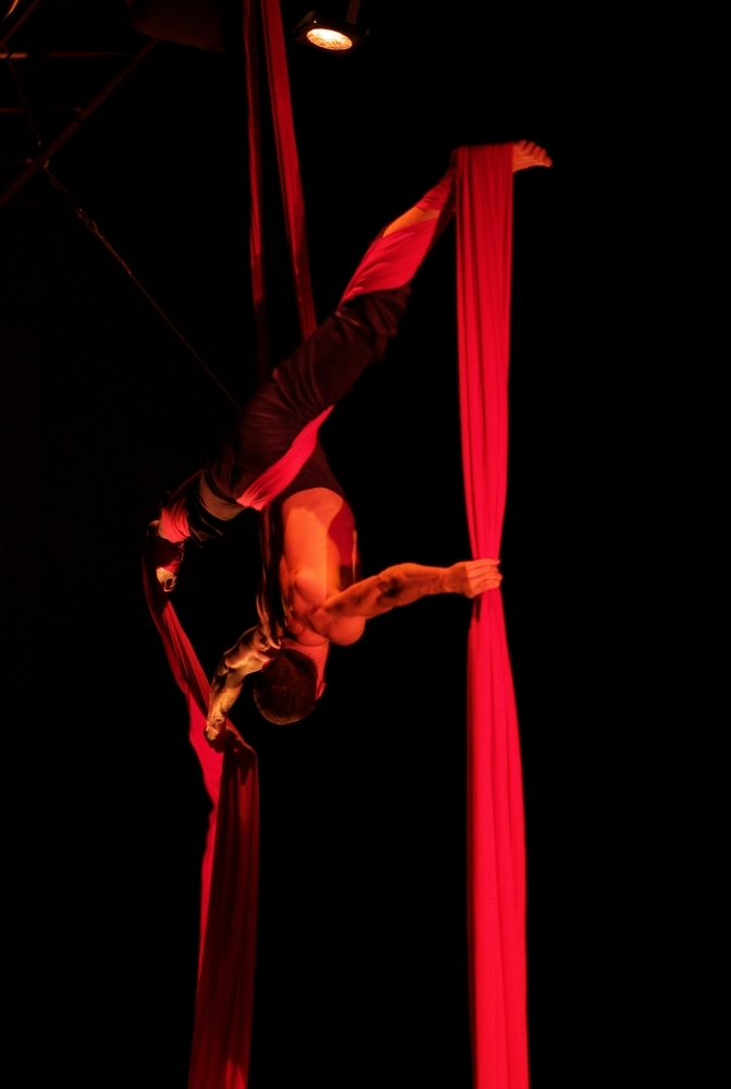 Cirque solo 2 | LEICA APO-SUMMICRON 90MM F2 ASPH <br> Click image for more details, Click <b>X</b> on top right of image to close