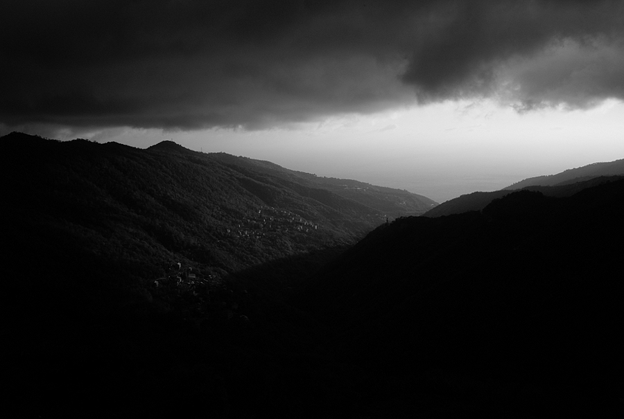 Heavy clouds | LEICA ELMARIT 90MM F2.8 <br> Click image for more details, Click <b>X</b> on top right of image to close