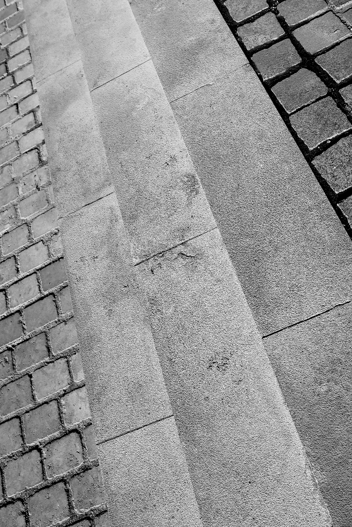 Les 3 marches | X1 ELMARIT 24MM F/2.8 ASPH <br> Click image for more details, Click <b>X</b> on top right of image to close