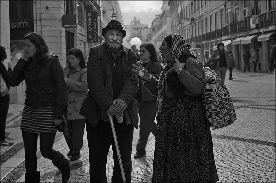 RUA AUGUSTA | LEICA SUMMARIT 35MM F2.5 <br> Click image for more details, Click <b>X</b> on top right of image to close