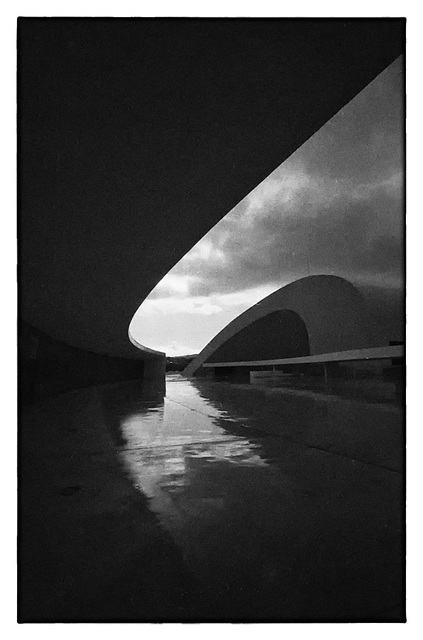 NIEMEYER 4 | LEICA SUMMARIT 35MM F2.5 <br> Click image for more details, Click <b>X</b> on top right of image to close