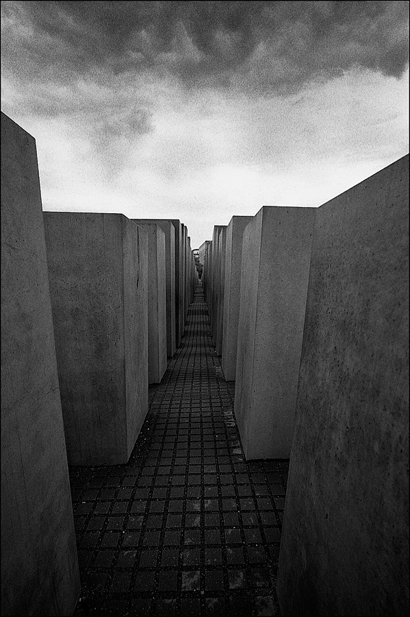 HOLOCAUST | CV 15MM / F 4.5 SUPER WIDE HELIAR <br> Click image for more details, Click <b>X</b> on top right of image to close