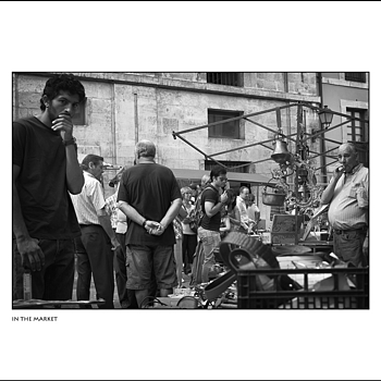 IN THE MARKET | LEICA SUMMARIT 35MM F2.5 <br> Click image for more details, Click <b>X</b> on top right of image to close