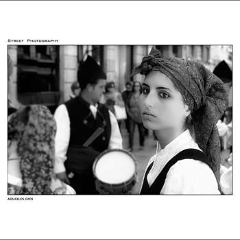 THOSE EYES | LEICA SUMMARIT 35MM F2.5 <br> Click image for more details, Click <b>X</b> on top right of image to close
