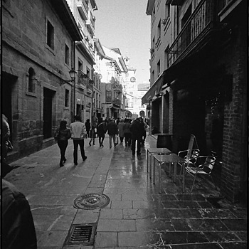 CALLE MAGDALENA | LEICA SUMMARIT 35MM F2.5 <br> Click image for more details, Click <b>X</b> on top right of image to close