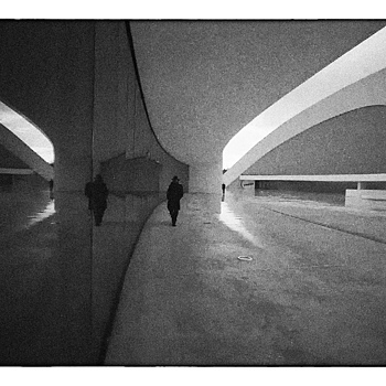 NIEMEYER | LEICA SUMMARIT 35MM F2.5 <br> Click image for more details, Click <b>X</b> on top right of image to close