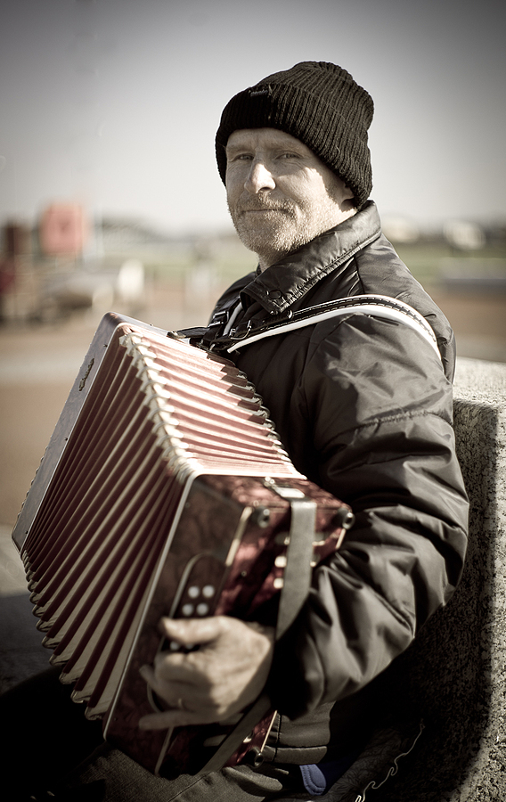 Accordion player Morecambe | LEICA SUMMILUX 50MM F/1.4 PRE ASPH (E46) <br> Click image for more details, Click <b>X</b> on top right of image to close