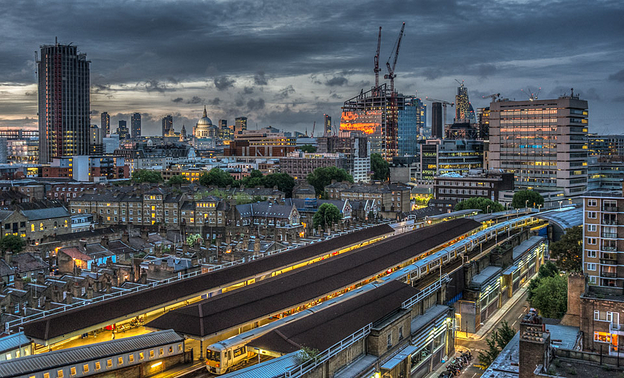 Twilight London | LEICA ELMARIT 24MM F2.8 ASPH <br> Click image for more details, Click <b>X</b> on top right of image to close