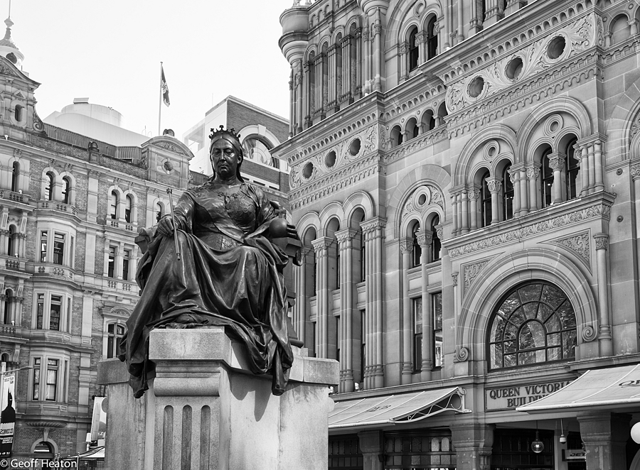 Queen Victoria | LEICA SUMMICRON 35MM F2 ASPH <br> Click image for more details, Click <b>X</b> on top right of image to close