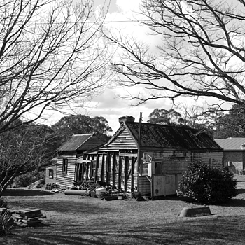 Leura house | LEICA SUMMICRON 35MM F2 ASPH <br> Click image for more details, Click <b>X</b> on top right of image to close