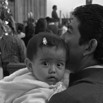 Father and child in a church in Mexico City | DC VARIO-SUMMICRON 1:2.0-3.3/5.1-19.2 ASPH <br> Click image for more details, Click <b>X</b> on top right of image to close