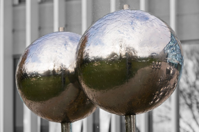 Balls with reflections | LENS MODEL NOT SET <br> Click image for more details, Click <b>X</b> on top right of image to close