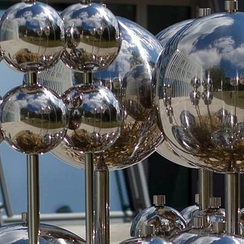 Spheres with reflections | LENS MODEL NOT SET <br> Click image for more details, Click <b>X</b> on top right of image to close